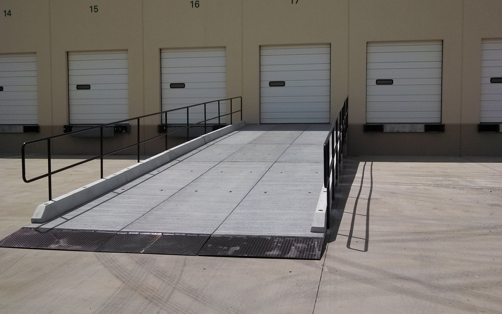 concrete-precast-loading-dock