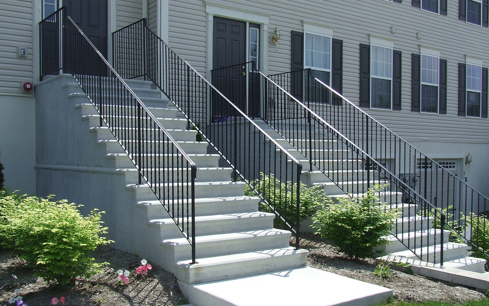 stacked-steps-railing