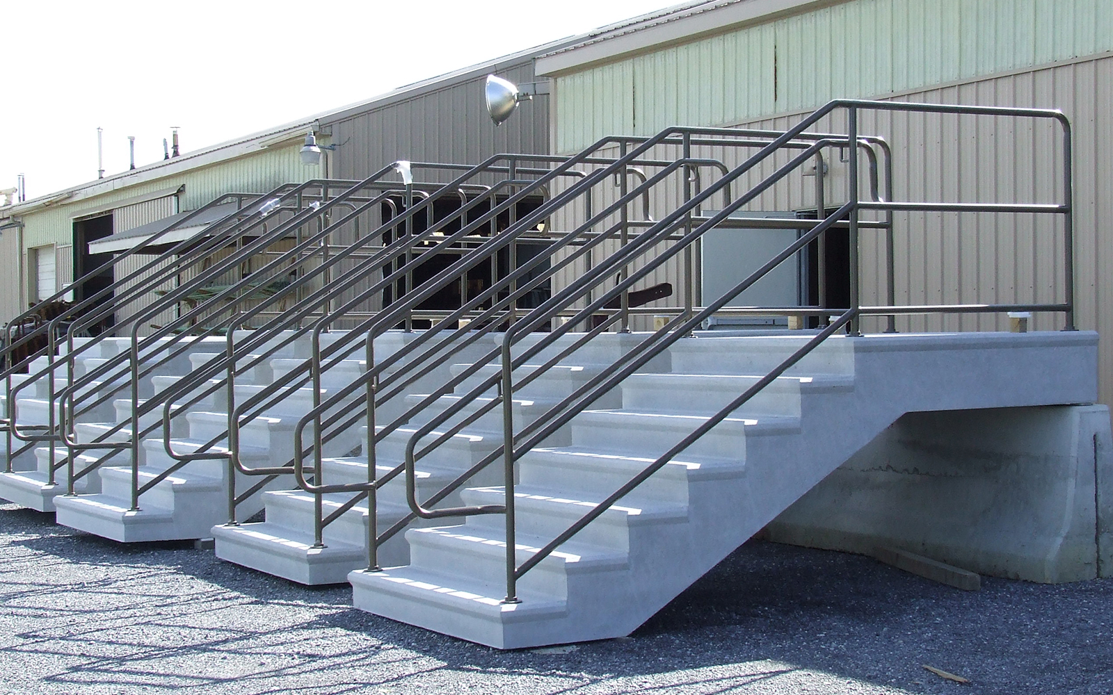 terrace-steps-aluminum-railing