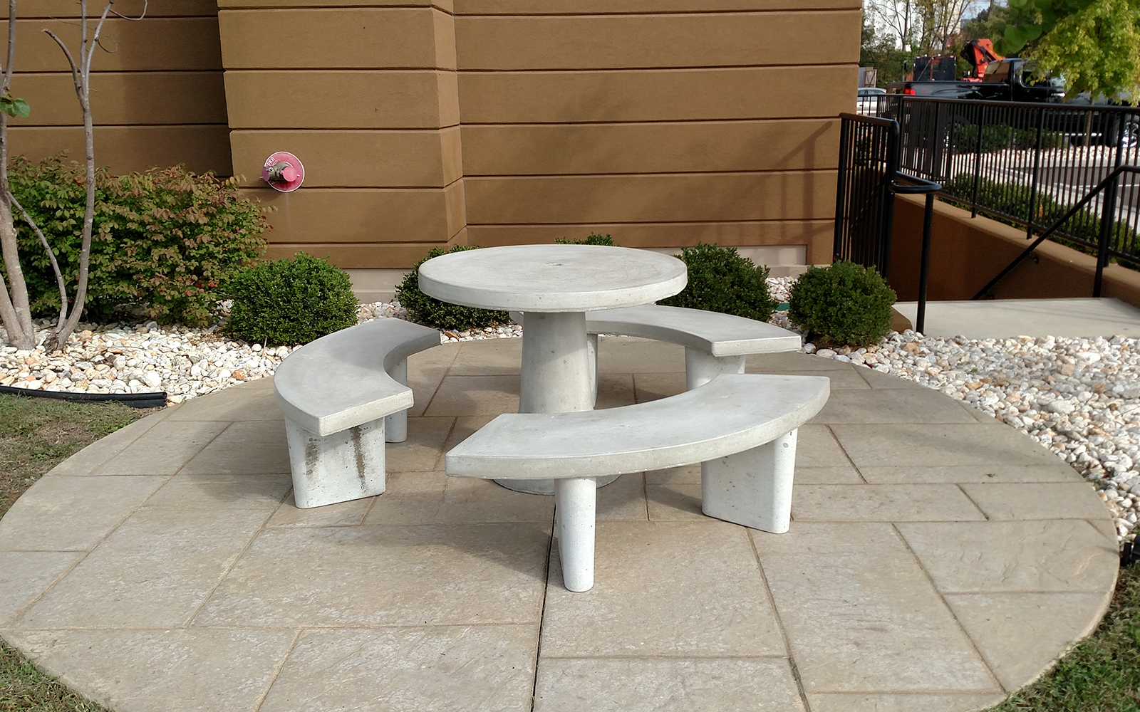 precast-concrete-table-and-benches