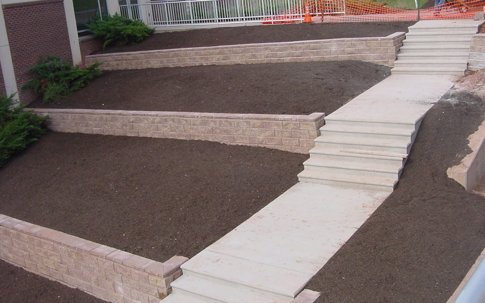 concrete-terrace-steps-with-retaining-wall