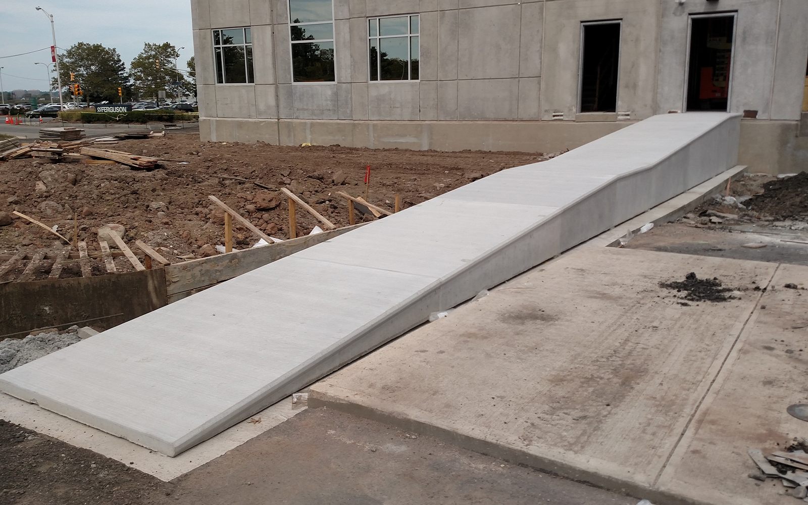 precast-concrete-loading-ramp-warehouse