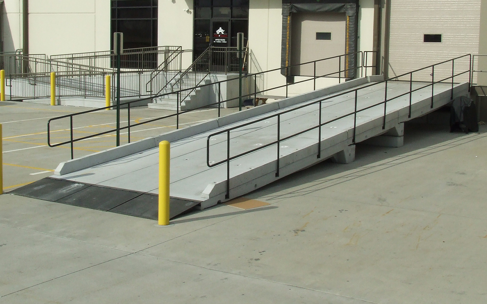 precast-concrete-loading-ramp