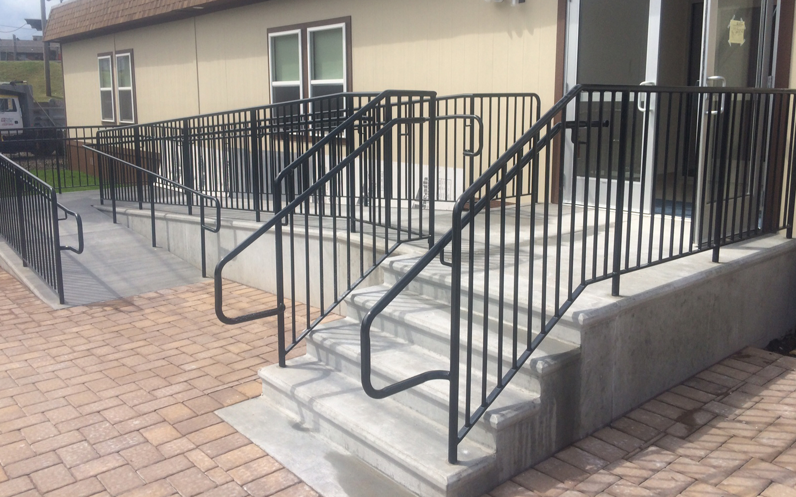 precast-concrete-ramp-and-steps