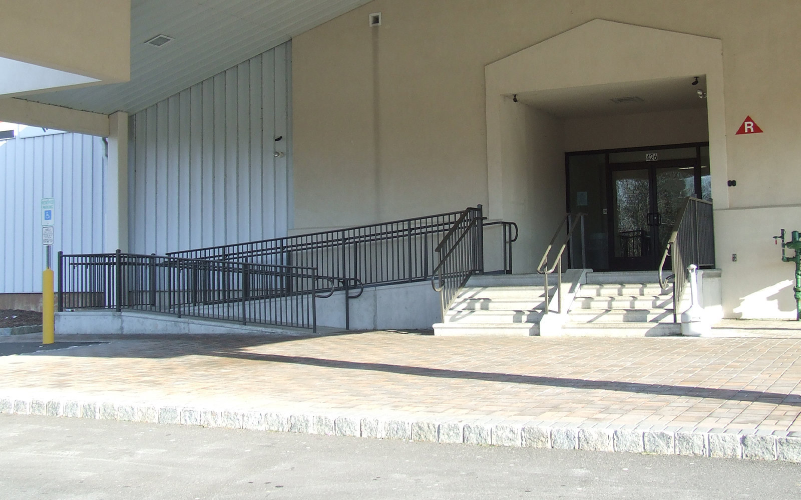 precast-concrete-steps-with-access-ramp