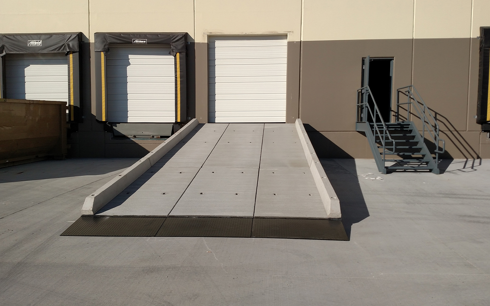 redi-dock-vehicle-loading-ramp