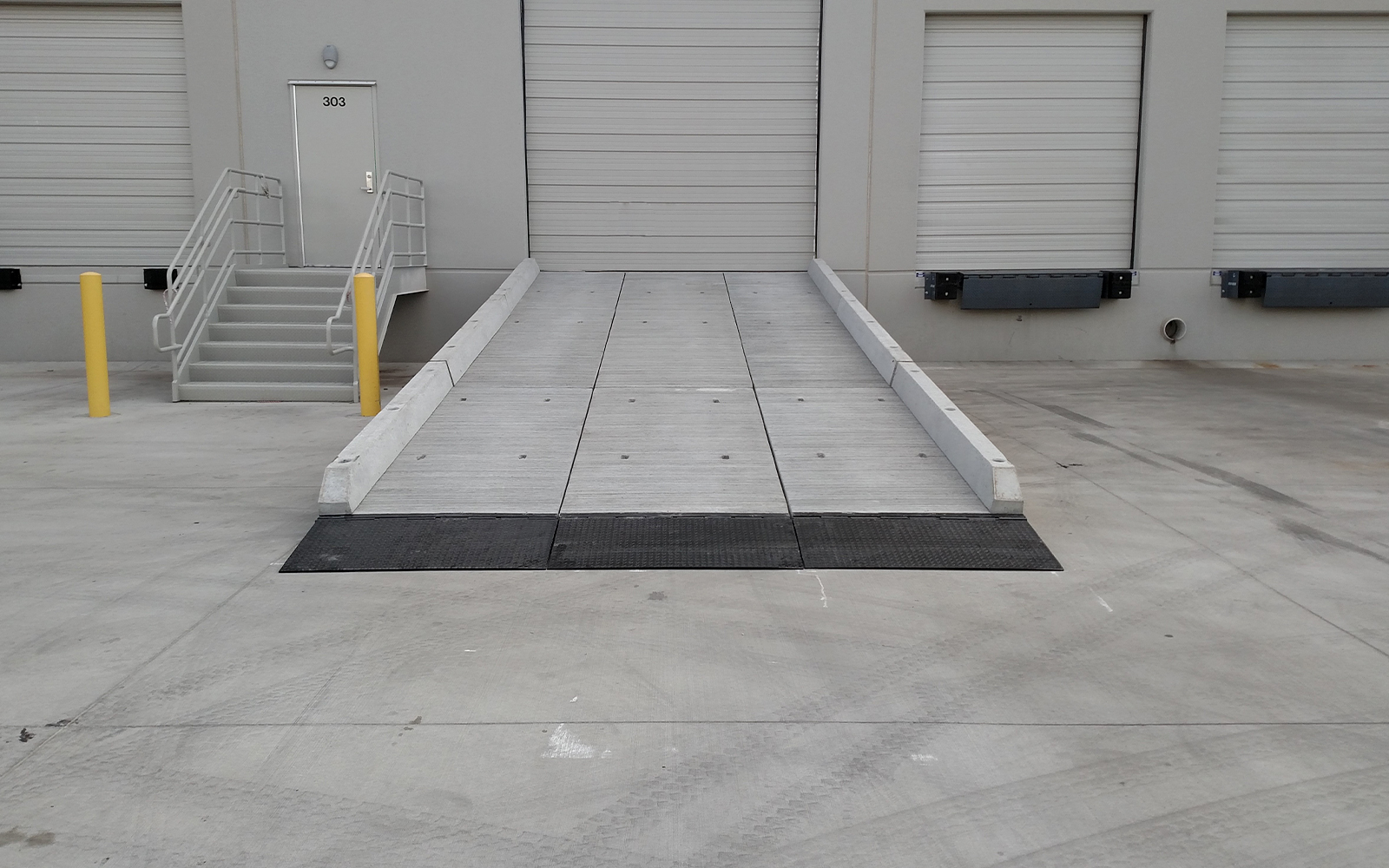 vehicle-loading-dock-reading-pa