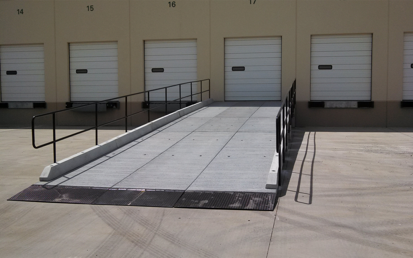vehicle-loading-dock-redi-dock