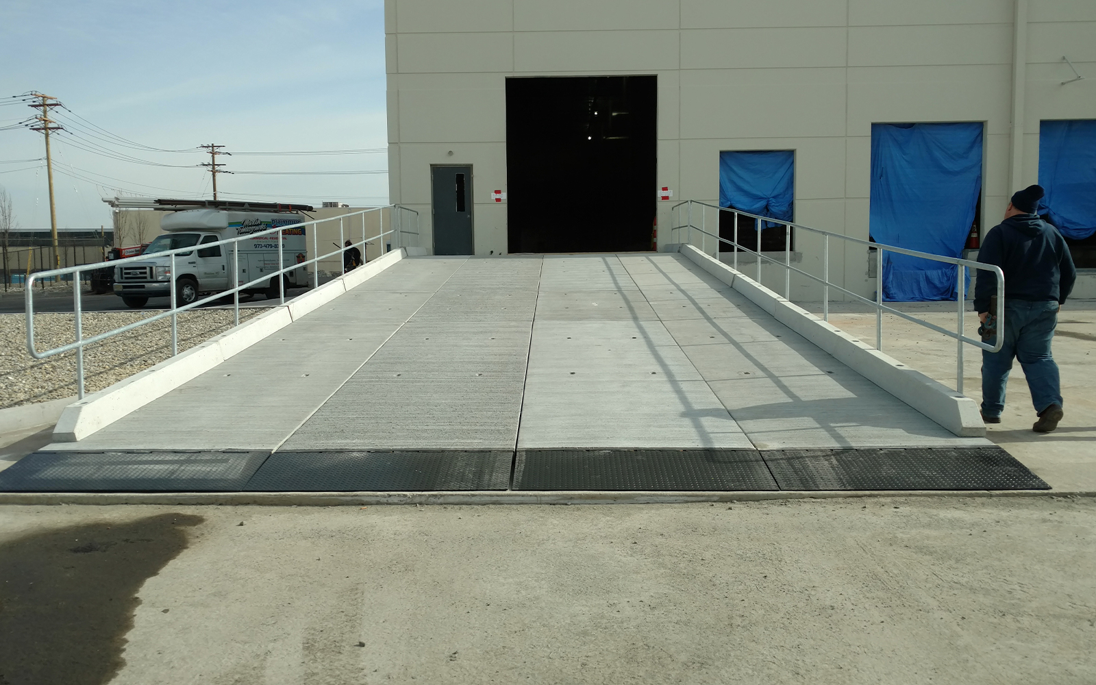 warehouse-building-vehicle-loading-dock